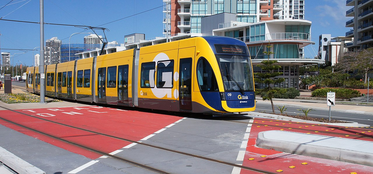 Leaving Broadwater Parklands on the Gold Coast Light Rail